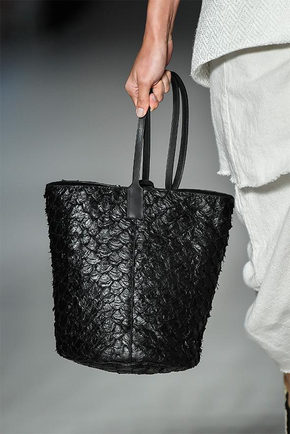 Tasche von Osklen aus Fischleder.