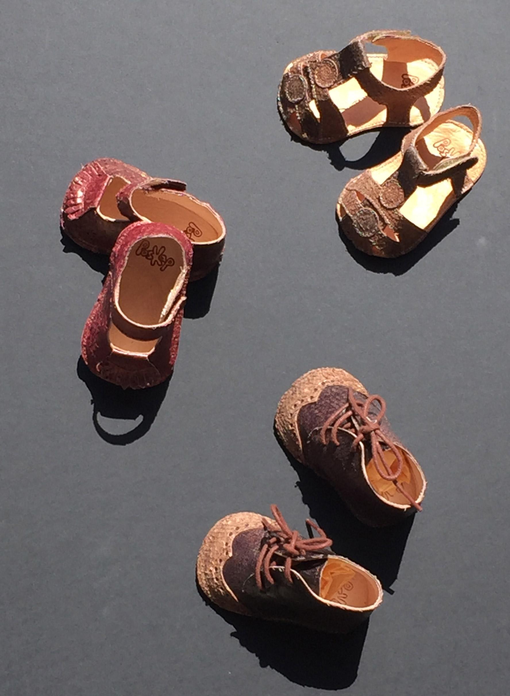 Kinderschuhe aus Fischleder gefertigt, femer